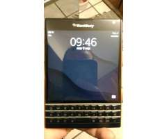 Blackberry Passport en Muy Buen Estado