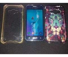 Samsung J1 Ace LIBRE PARA TODAS LAS COMPANIAS con todo lo de las fotos vealas Impecable.
