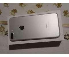 iPhone 7 Plus con Detalle Minimo