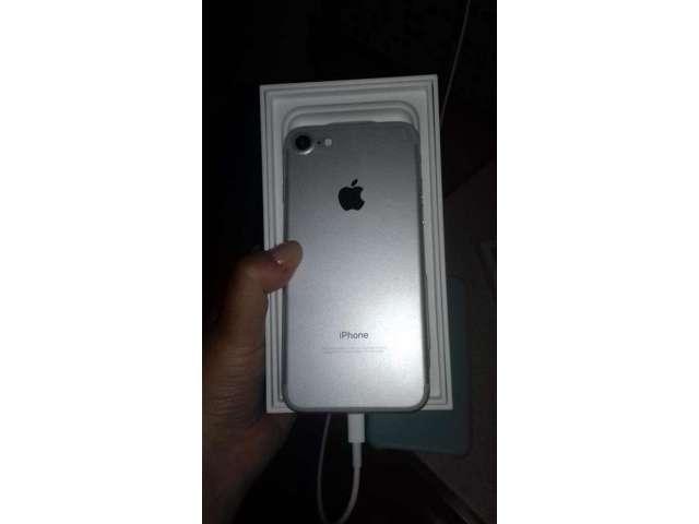 I Phone 7 con Poco Uso,