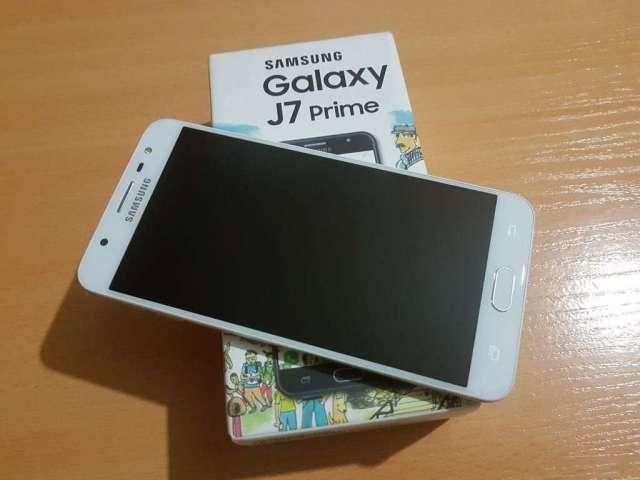 Samsung Galaxy J7 Prime en Caja