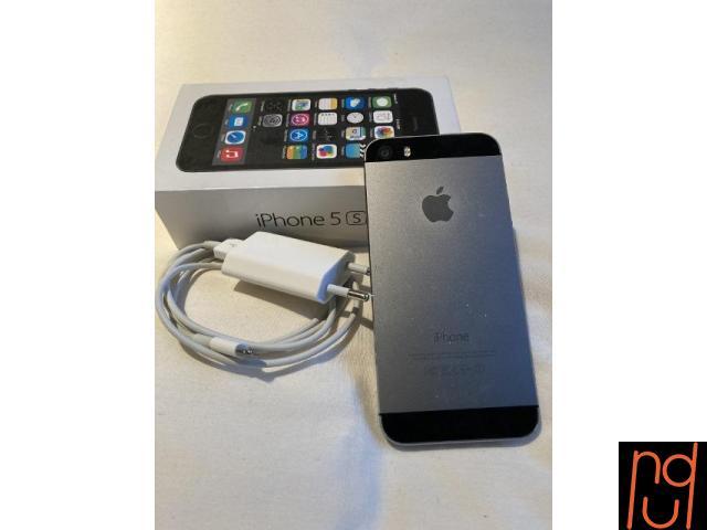 Celular Iphone 5 S 16 GB  Color Gris